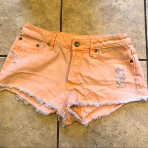 Adorable coral Roxy semi-high waisted shorts🌷